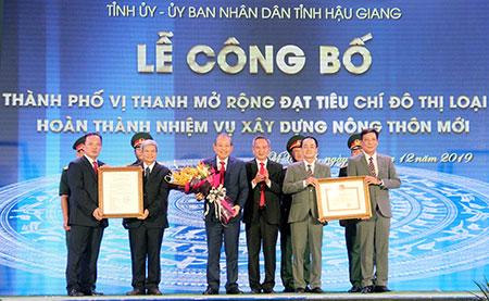 Công nhận thành phố Vị Thanh mở rộng đạt đô thị loại II và hoàn thành nhiệm vụ xây dựng nông thôn mới