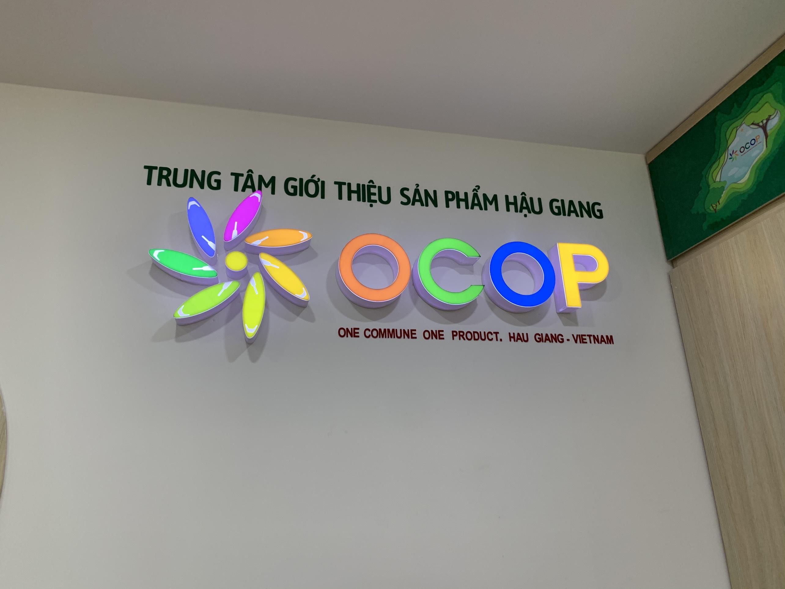 KHAI TRƯƠNG TRUNG TÂM MUA SẮM SẢN PHẨM OCOP HẬU GIANG TẠI QUẬN 2 TP. HCM